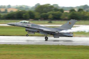 F-16: une étude cachée concernant le marché du siècle ? Qu'on arrête les frais !